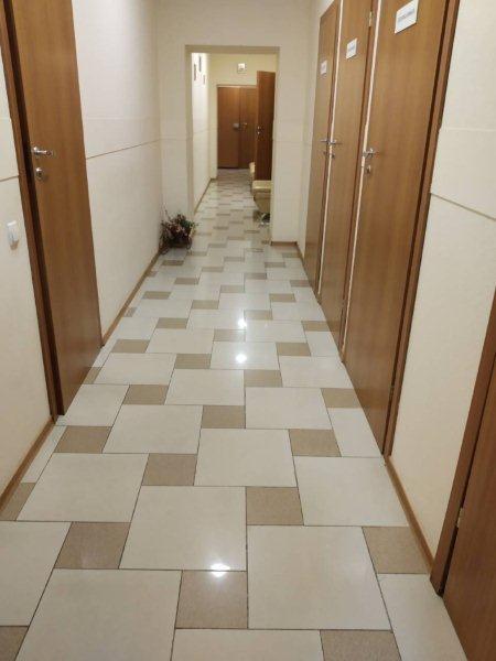 Нежитлове приміщення в м. Дніпро, площею 542,1 кв. м